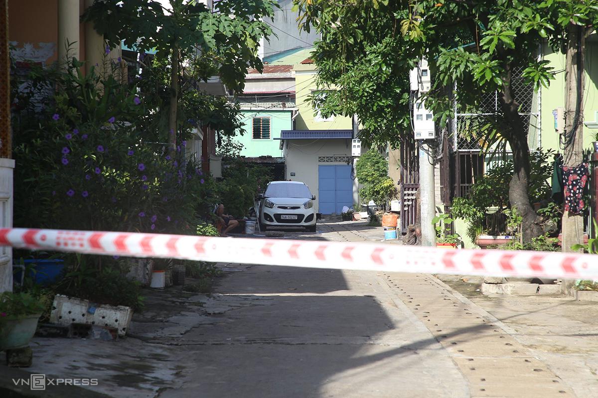 Khu dân cư tại TP Đông Hà bị phong toả do có ca nhiễm. Ảnh: Quang Hà