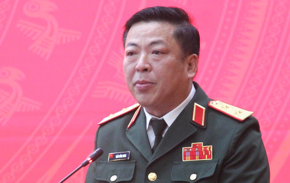 Tân Bí thư Tỉnh ủy Cao Bằng - Trung tướng Trần Hồng Minh phát biểu nhận nhiệm vụ. Ảnh: Báo Cao Bằng