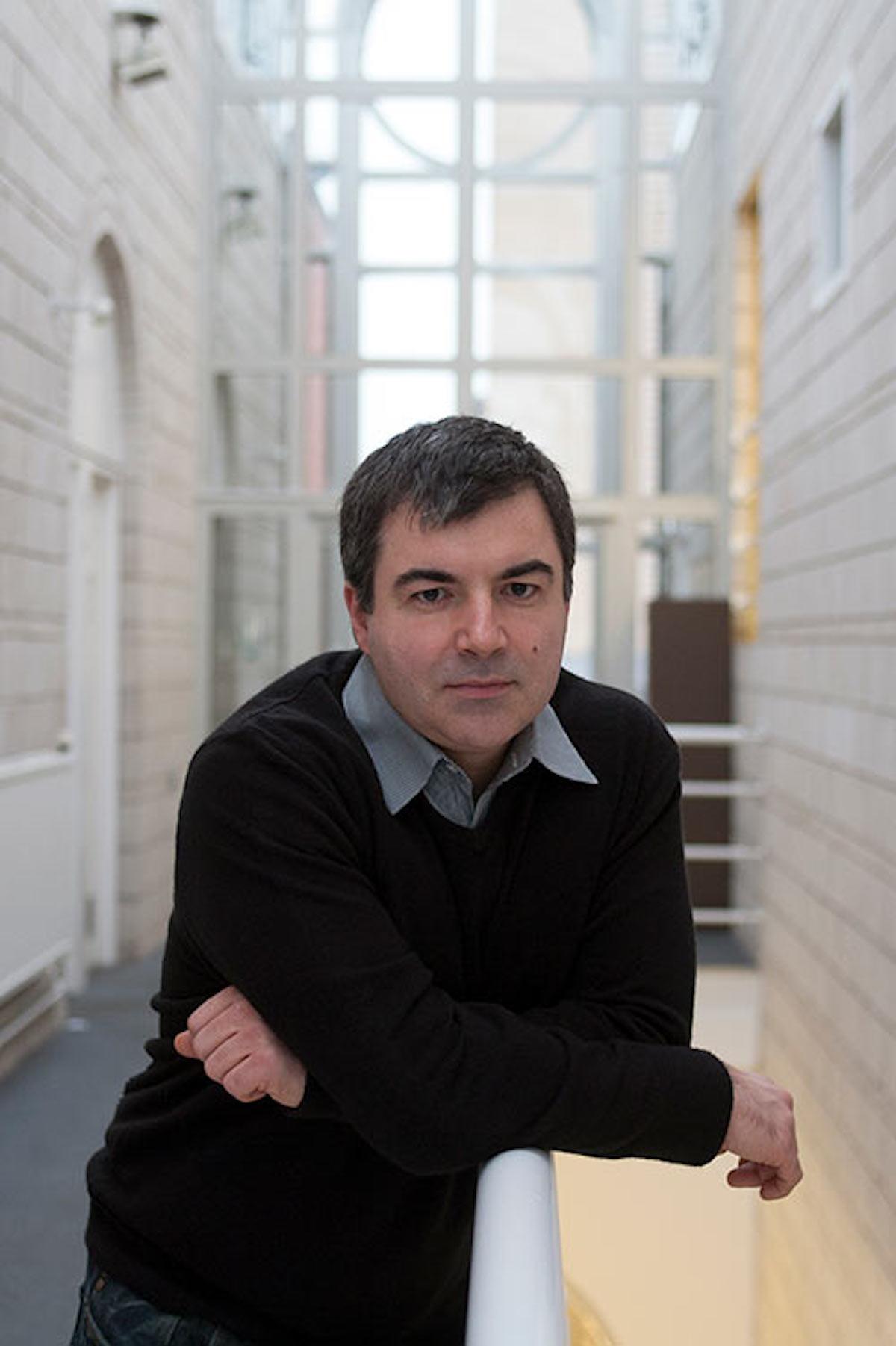 Giáo sư Vật lý Kostya Novoselov