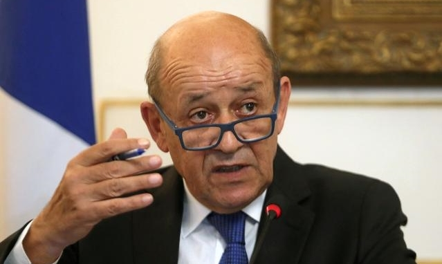 Ngoại trưởng Pháp Jean-Yves Le Drian phát biểu tại một cuộc họp báo ở Ai Cập hồi tháng 9/2019. Ảnh: Reuters.