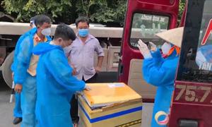 Xe tải luồng xanh chở người, hàng cấm