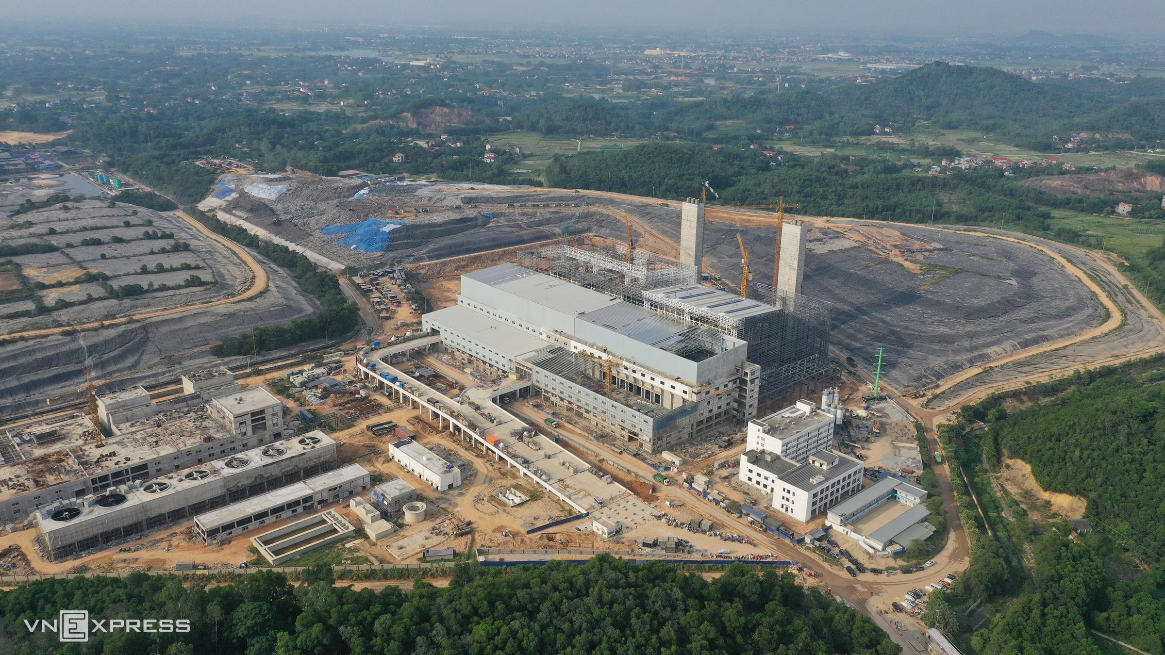 Nhà máy điện rác Sóc Sơn (Hà Nội) với công suất xử lý 4.000 tấn rác khô mỗi ngày, tổng đầu tư 7.000 tỷ đồng. Ảnh: Ngọc Thành