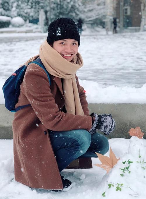 Toại tới thăm Đại học Vũ Hán năm 2019, trước khi dịch bệnh bùng phát. Ảnh: Nhân vật cung cấp