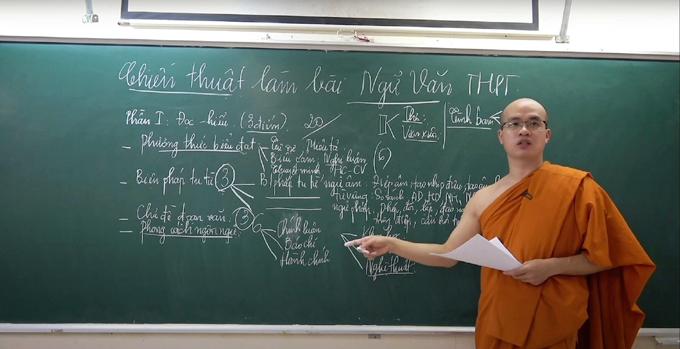 Sư thầy đang học thạc sĩ và đặt mục tiêu cuối năm thi IELTS đạt 6.5-7.0. Ảnh: Nhân vật cung cấp