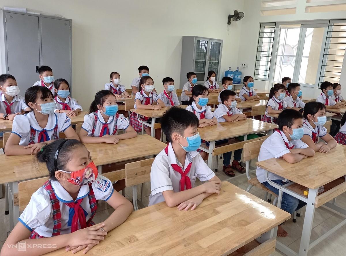 Học sinh Hà Nam trong buổi khai sảng năm học mới, ngày 5/9. Ảnh: Thanh Hằng