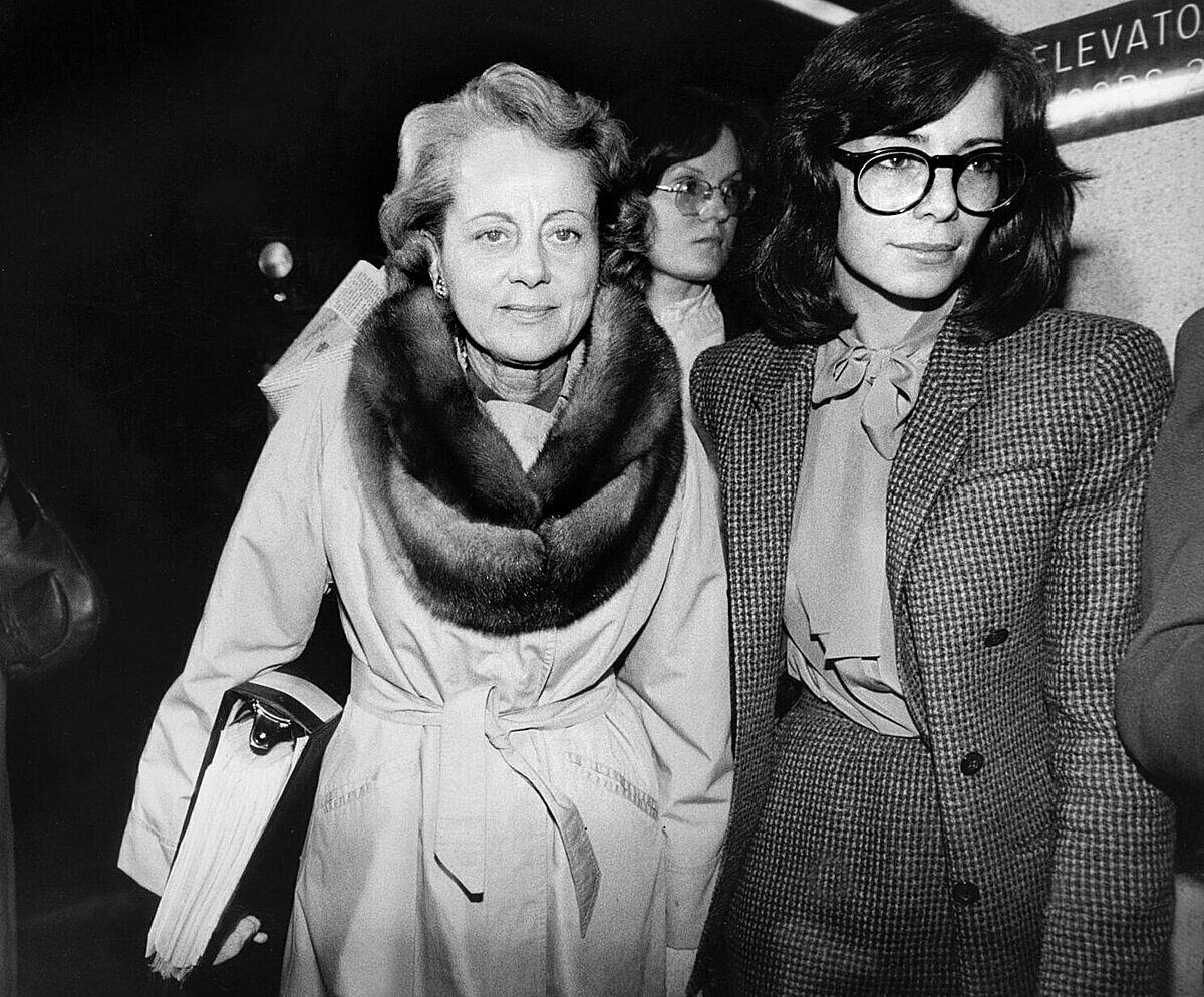 Bà Jean Harris (trái) hầu toà tháng 11/1980, Ảnh: NYT