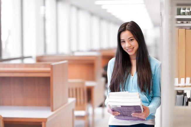 Những chia sẻ quý báu sẽ giúp học sinh và phụ huynh thêm tự tin trong việc ứng tuyển vào đại học Mỹ.