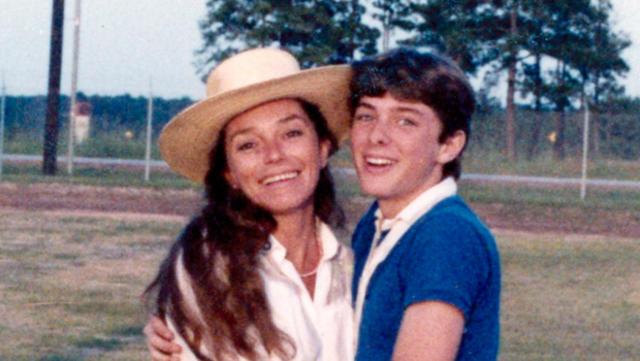 Natalie Antonetti và con trai. Ảnh: Chilling Crimes