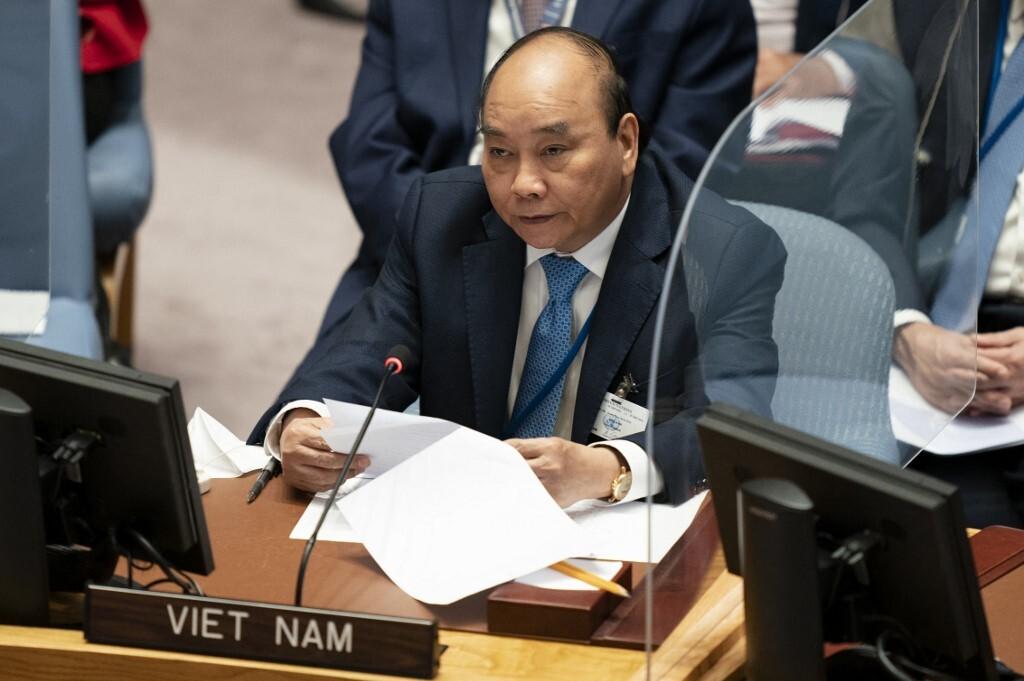 Chủ tịch nước Nguyễn Xuân Phúc phát biểu tại phiên thảo luận cấp cao của Hội đồng Bảo an Liên Hợp Quốc về biến đổi khí hậu tại New York, Mỹ hôm 23/9. Ảnh: AFP.