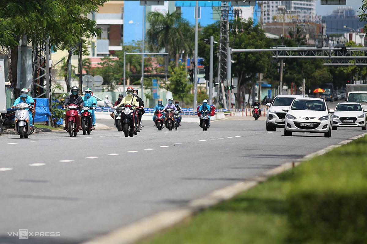 Đường phố Đà Nẵng đông đúc trở lại những ngày qua. Ảnh: Nguyễn Đông