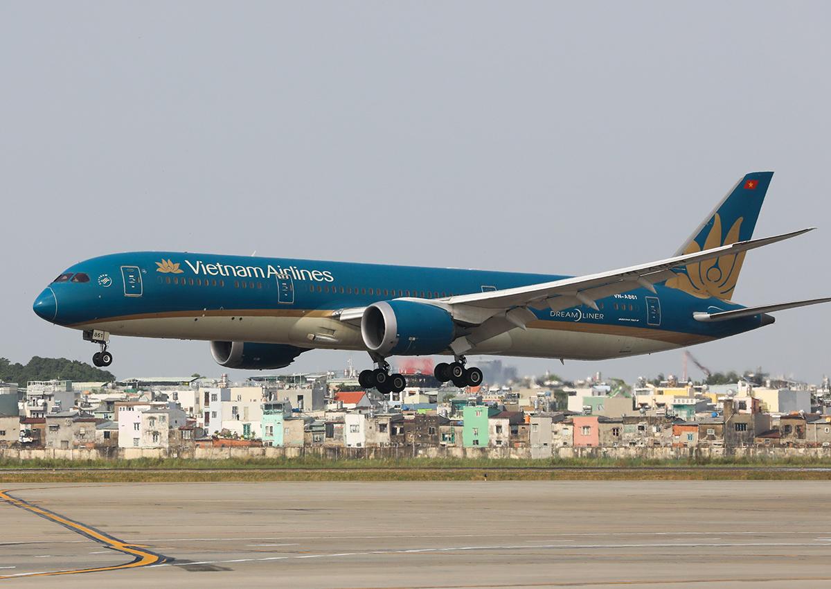 Máy bay Vietnam Airlines tại sân bay Tân Sơn Nhất. Ảnh: Quỳnh Trần.
