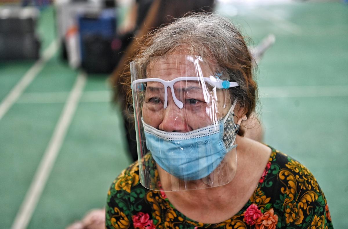Bà Thái Thị Bích Vân mất đi người thân trong thời gian bà đi cách ly tập trung. Ảnh: Giang Huy.