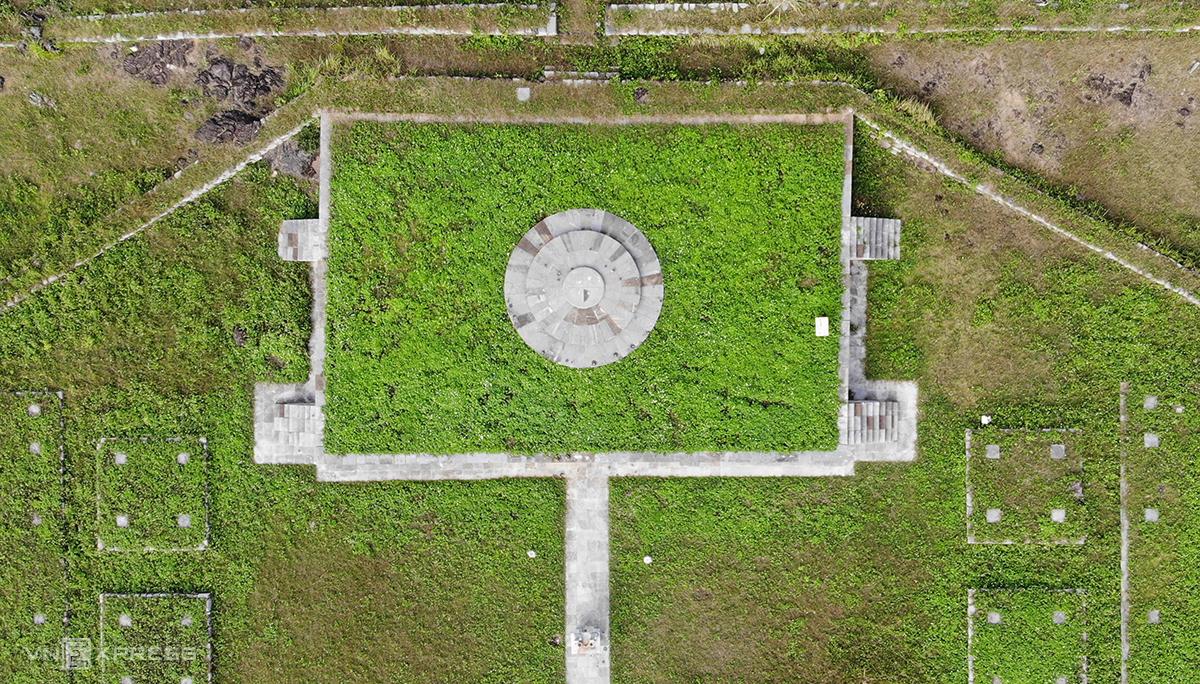 Trung tâm đàn tế là viên đàn - nơi xưa kia nhà vua hành lễ. Ảnh: Lê Hoàng.