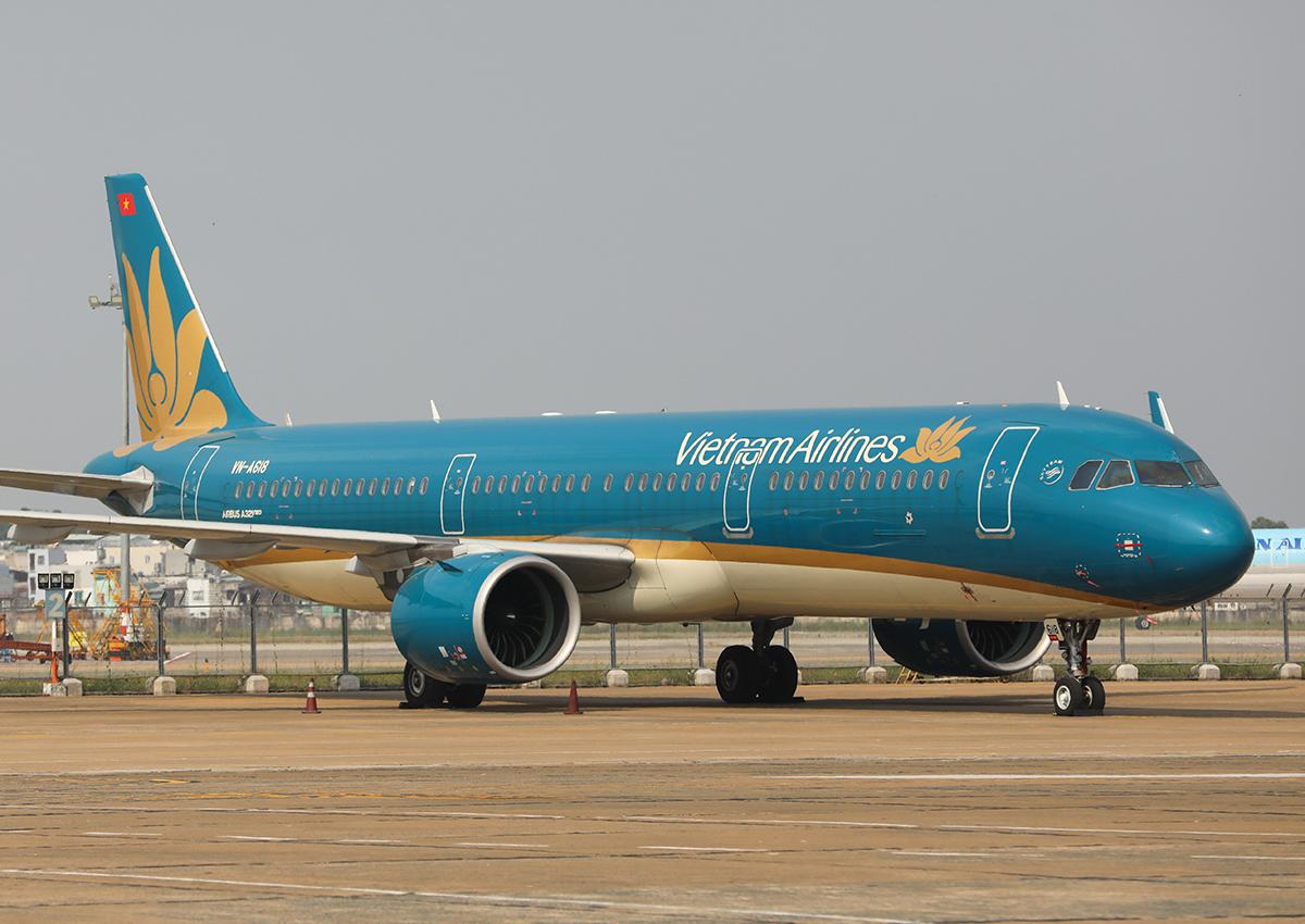 Máy bay đỗ tại Tân Sơn Nhất. Ảnh: Quỳnh Trần.