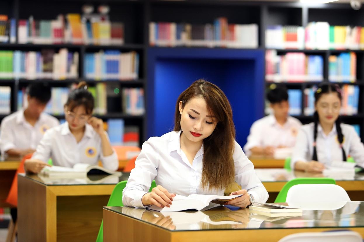 SIU tài trợ học bổng 100% chương trình tiếng Anh kỹ năng tiêu chuẩn quốc tế nhằm hướng đến mục tiêu bồi dưỡng kỹ năng tranh biện quốc tế cho sinh viên luật.