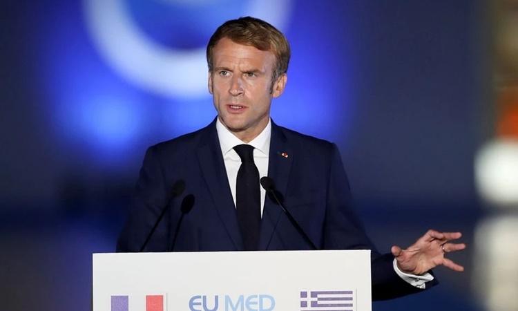Tổng thống Pháp Emmanuel Macron phát biểu tại Athens, Hy Lạp, ngày 17/9. Ảnh: Reuters.
