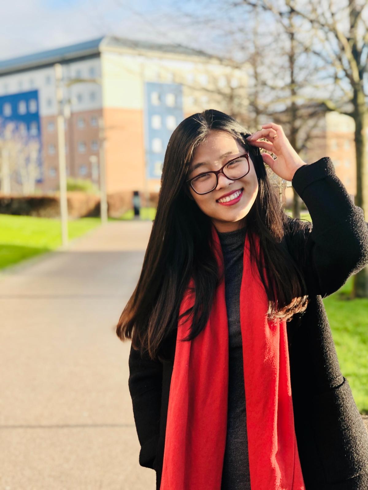 Chị Hoàng Ngọc Quỳnh, hiện sống và làm việc tại Anh. Ảnh: Nhân vật cung cấp