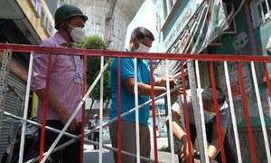 Người dân TP HCM vui mừng khi bỏ rào chắn