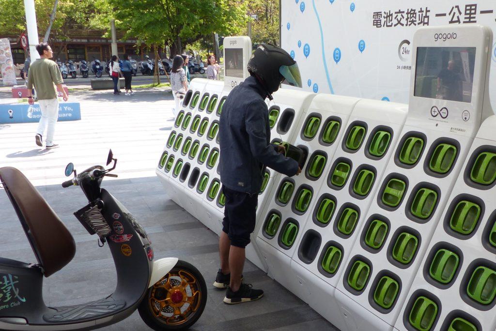Một trạm đổi pin của Gogoro tại Đài Loan. Ảnh: Bike Europe