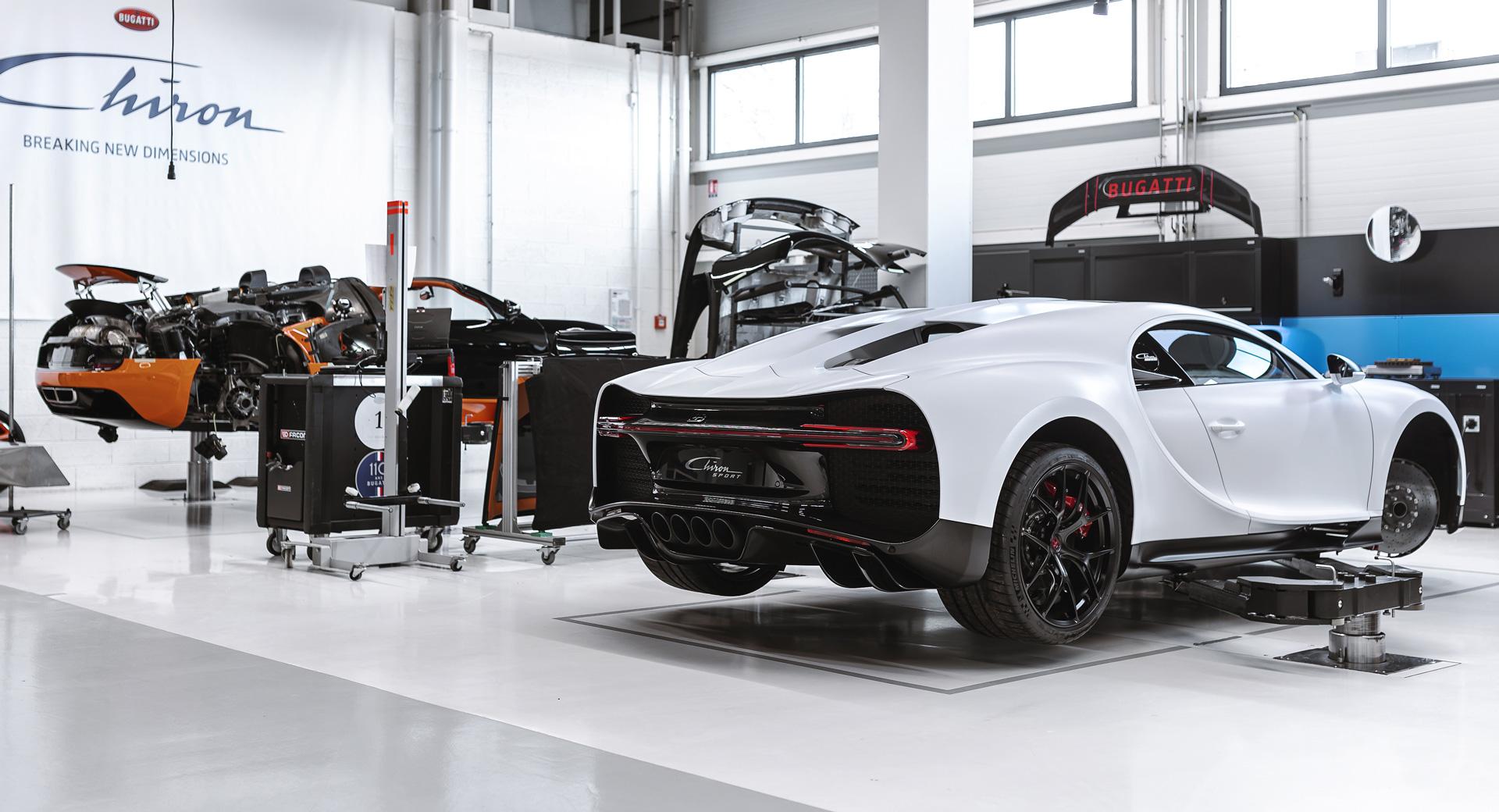 Bên trong xưởng bảo dưỡng của Bugatti tại Singapore. Ảnh: Bugatti