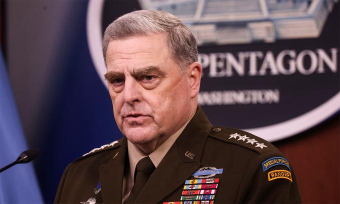 Chủ tịch Hội đồng Tham mưu trưởng Liên quân Mỹ, đại tướng Mark Milley trong buổi họp báo tại Lầu Năm Góc ngày 1/9. Ảnh: Reuters.