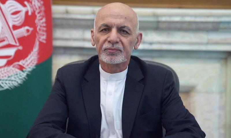 Ashraf Ghani phát biểu tại phủ tổng thống ở Kabul tháng trước, khi còn đương chức. Ảnh: Reuters.
