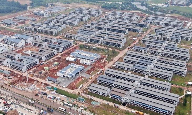 Trạm Y tế Quốc tế Quảng Châu, khu cách ly khách quốc tế đến Trung Quốc, ở thành phố Quảng Châu, tỉnh Quảng Đông, hôm 17/9. Ảnh: AP