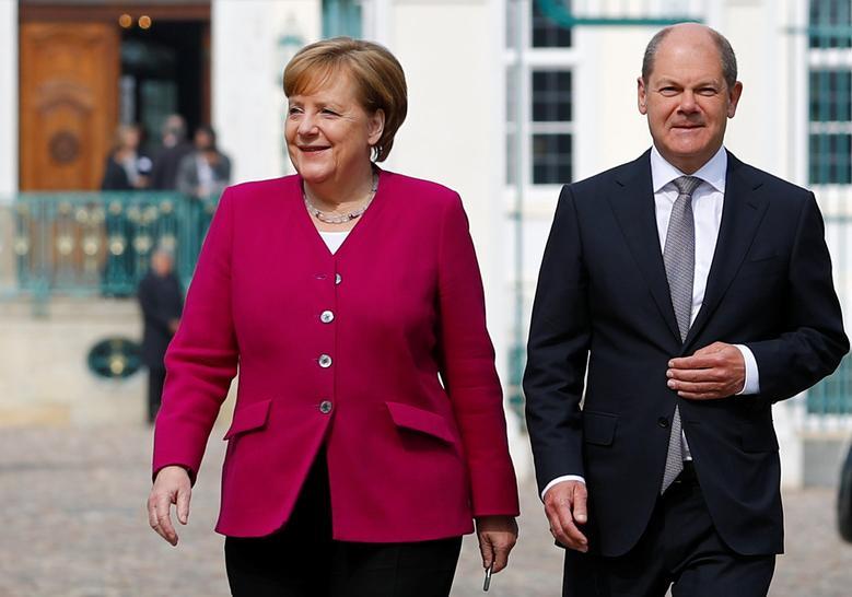 Thủ tướng Angela Merkel (trái) và lãnh đạo đảng Dân chủ Xã hội (SPD) Olaf Scholz tại Meseberg, Đức, hồi tháng 4/2018. Ảnh: Reuters.