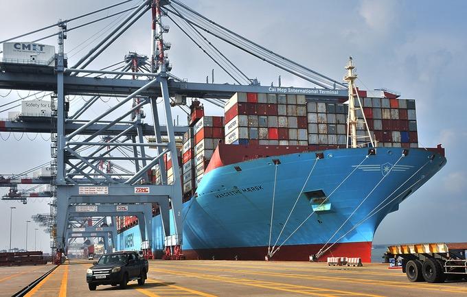 Một tàu container trọng tải hơn 214.000 tấn cập Cảng quốc tế Cái Mép hồi cuối tháng 10/2020. Ảnh:Trường Hà.