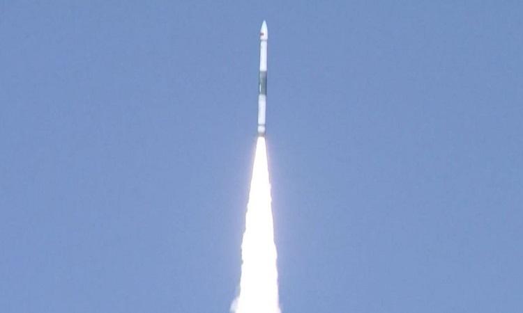 Tên lửa Khoái Châu 1A phóng hôm 27/9. Ảnh: CCTV