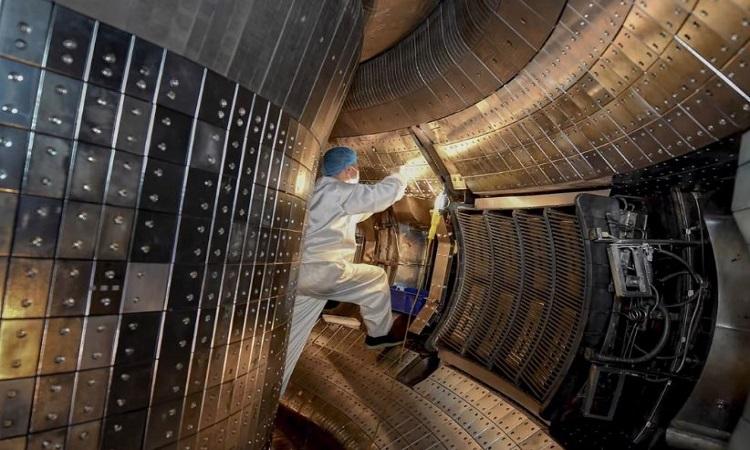 Lò phản ứng của Trung Quốc được thiết kế để tạo ra đủ năng lượng sản xuất điện. Ảnh: Xinhua
