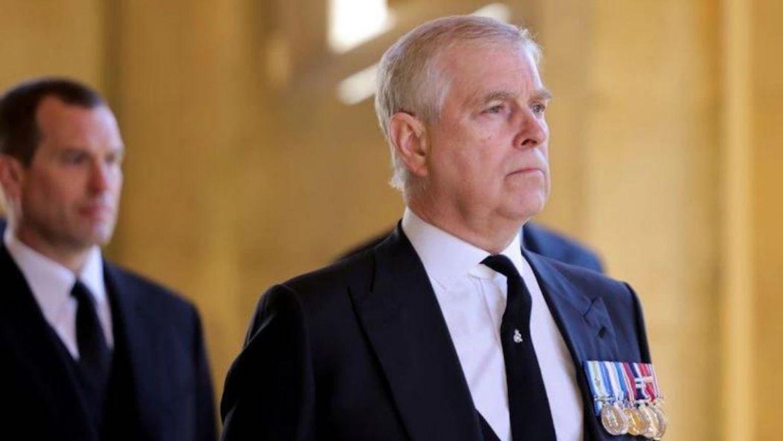 Hoàng tử Anh Andrew trong tang lễ Hoàng thân Philip ở Windsor hôm 17/4. Ảnh: Reuters.