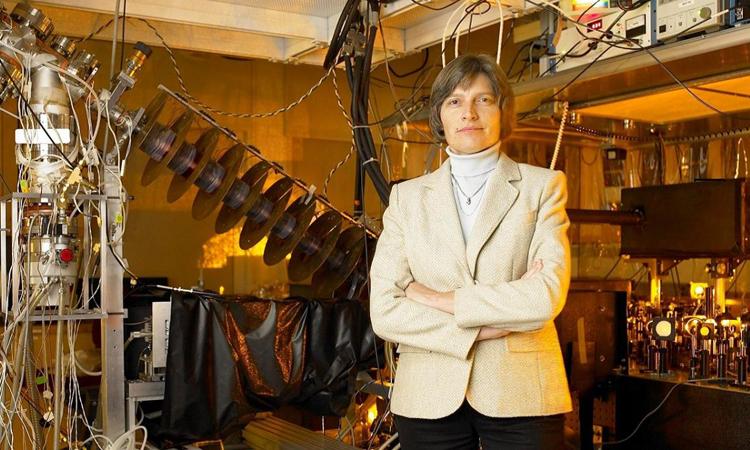 Lene Hau, nhà khoa học nghiên cứu quá trình làm chậm ánh sáng. Ảnh: James Salzano