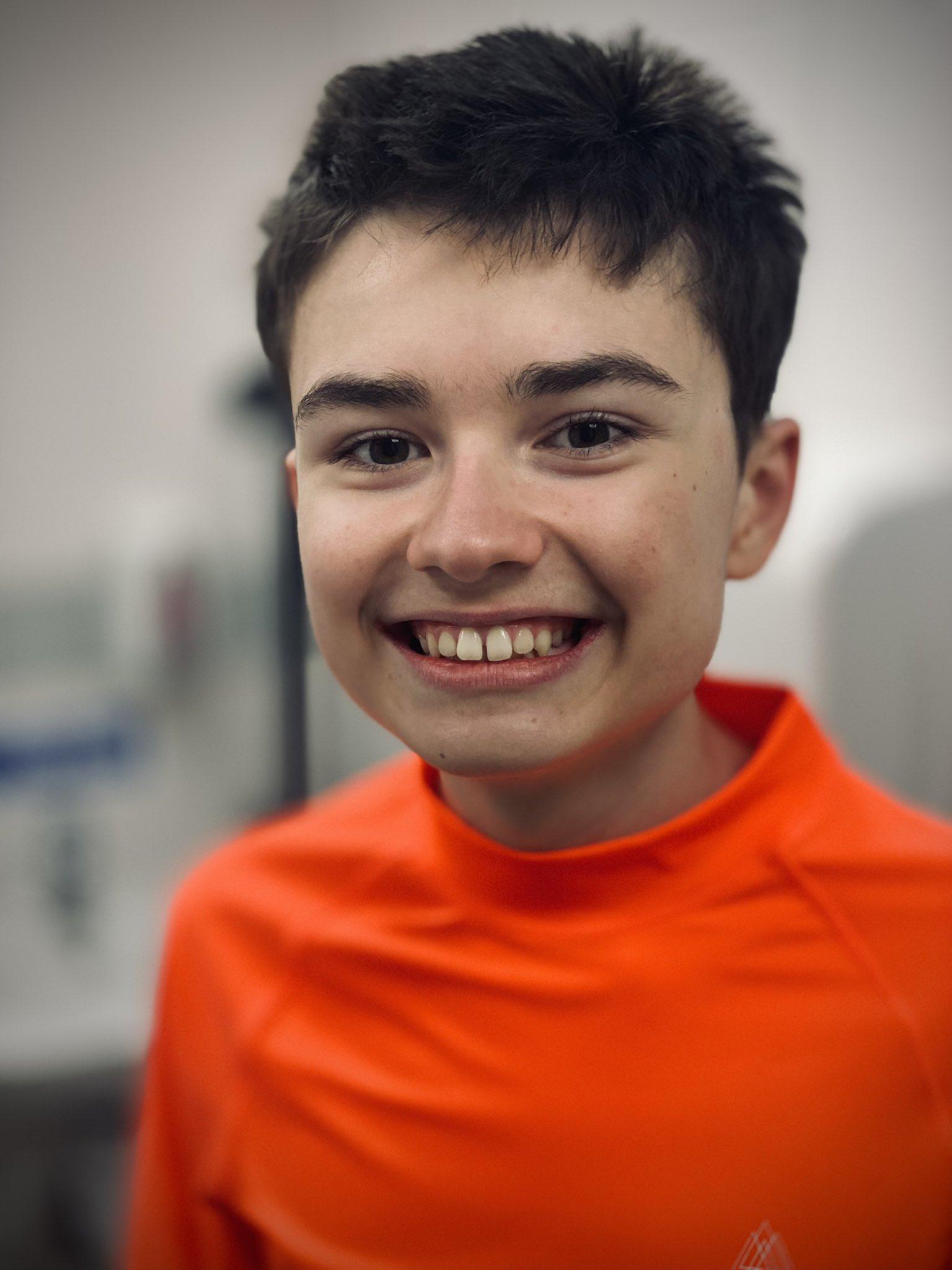 Cậu bé mắc chứng tự kỷ Daniel Harrison ở Nottingham, Anh.