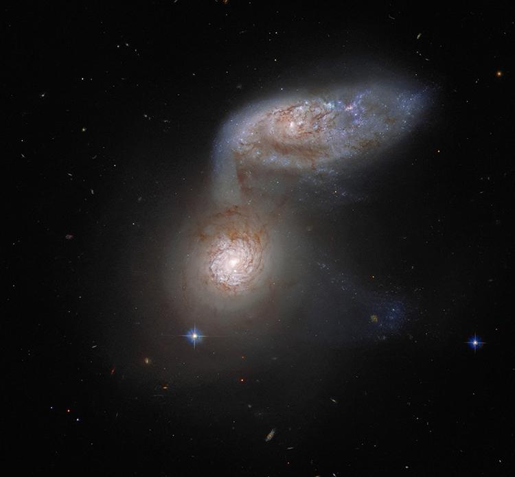 Hệ thống thiên hà hợp nhất Arp 91. Ảnh: ESA