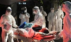Chuyển hơn 1.000 người khỏi Bệnh viện Việt Đức