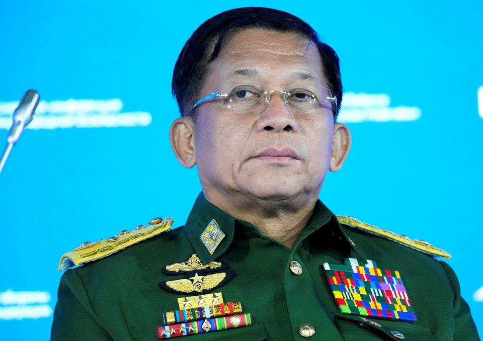 Thống tướng Min Aung Hlaing tham gia hội nghị ở Moskva ngày 23/6. Ảnh: Reuters.