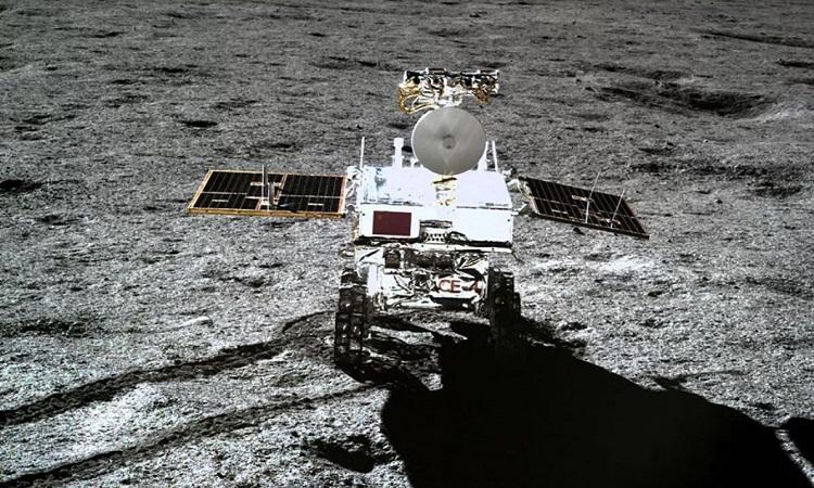 Robot Thỏ Ngọc 2 trong ảnh chụp từ trạm Hằng Nga 4. Ảnh: CNSA