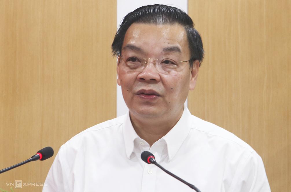 Chủ tịch UBND TP Hà Nội Chu Ngọc Anh phát biểu tại cuộc tiếp xúc cử trị quận Đống Đa, chiều 6/10. Ảnh: Võ Hải.