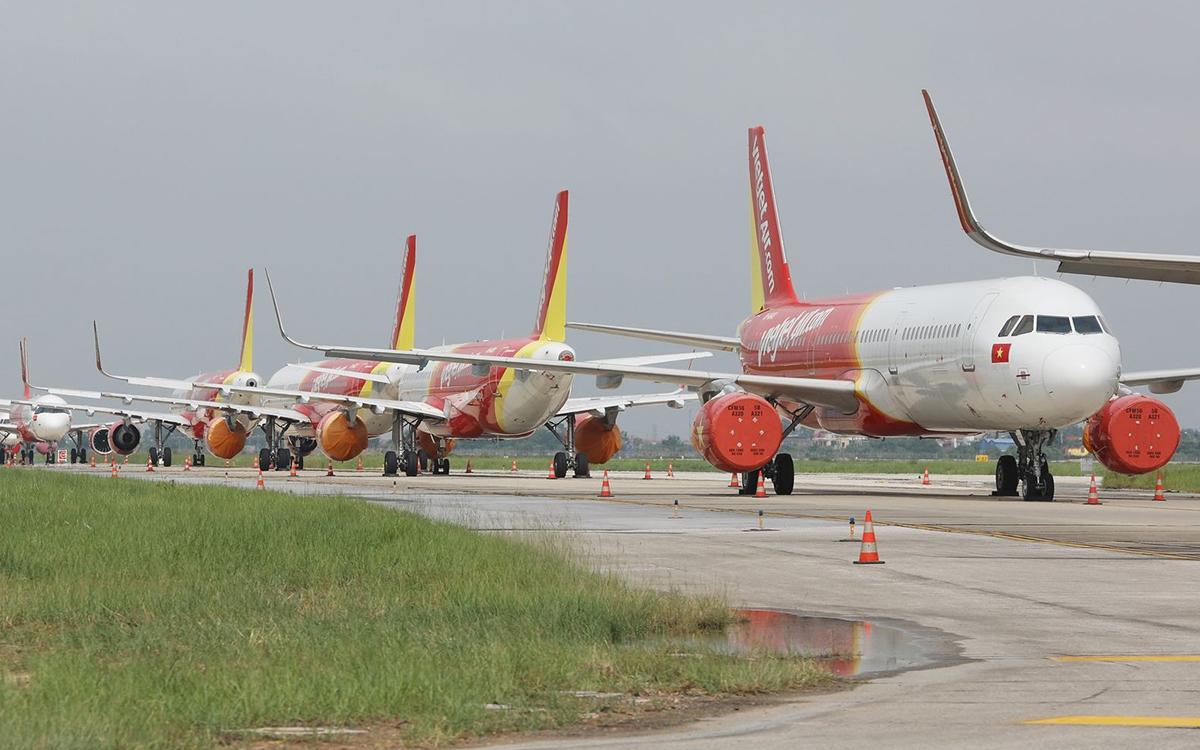 Máy bay đỗ tại sân bay Nội Bài. Ảnh: Ngọc Thành.