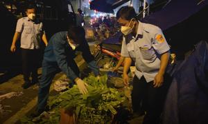 Điểm bán hàng tự phát xung quanh chợ Bình Điền bị xử lý