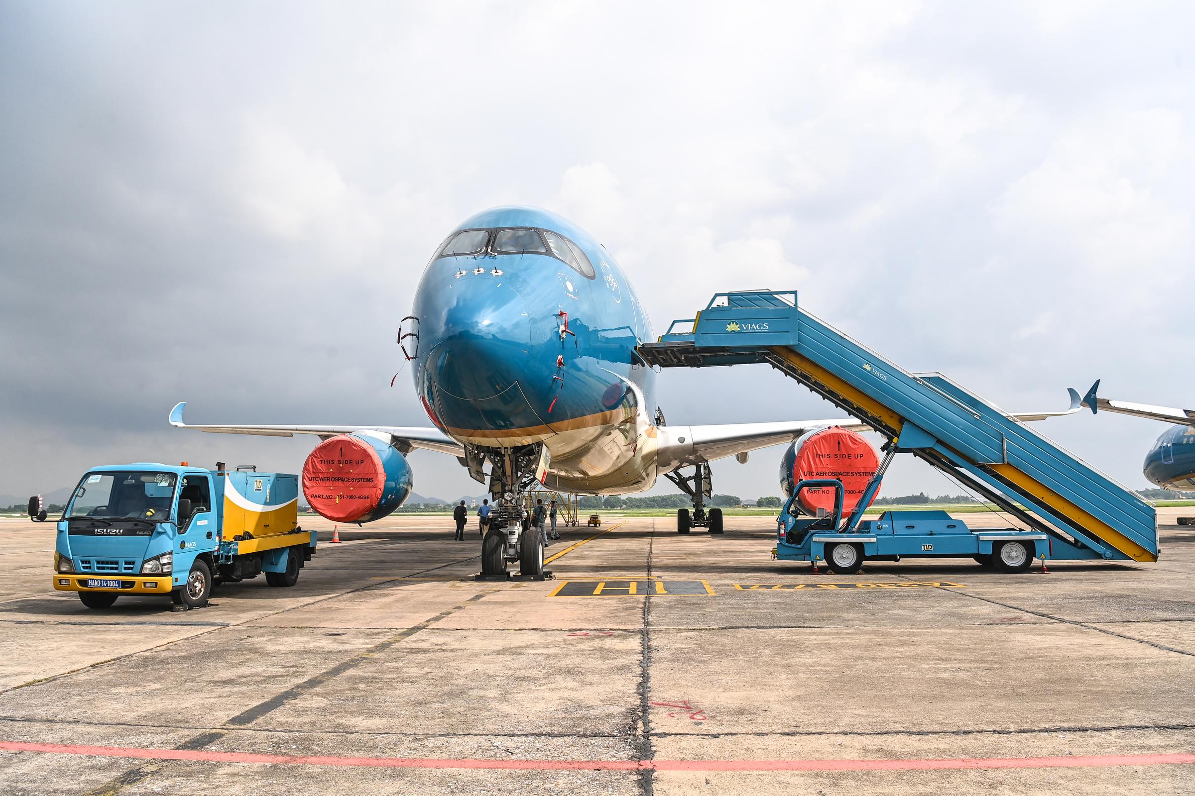 Máy bay đỗ tại sân bay Nội Bài, ngày 5/10. Ảnh: Giang Huy