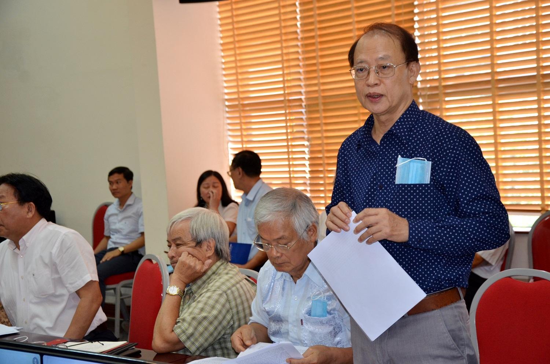 TS Phạm Văn Tân, nguyên Phó Chủ tịch Liên hiệp hội Việt Nam đóng góp ý kiến tại hội thảo. Ảnh: Lê Hồng