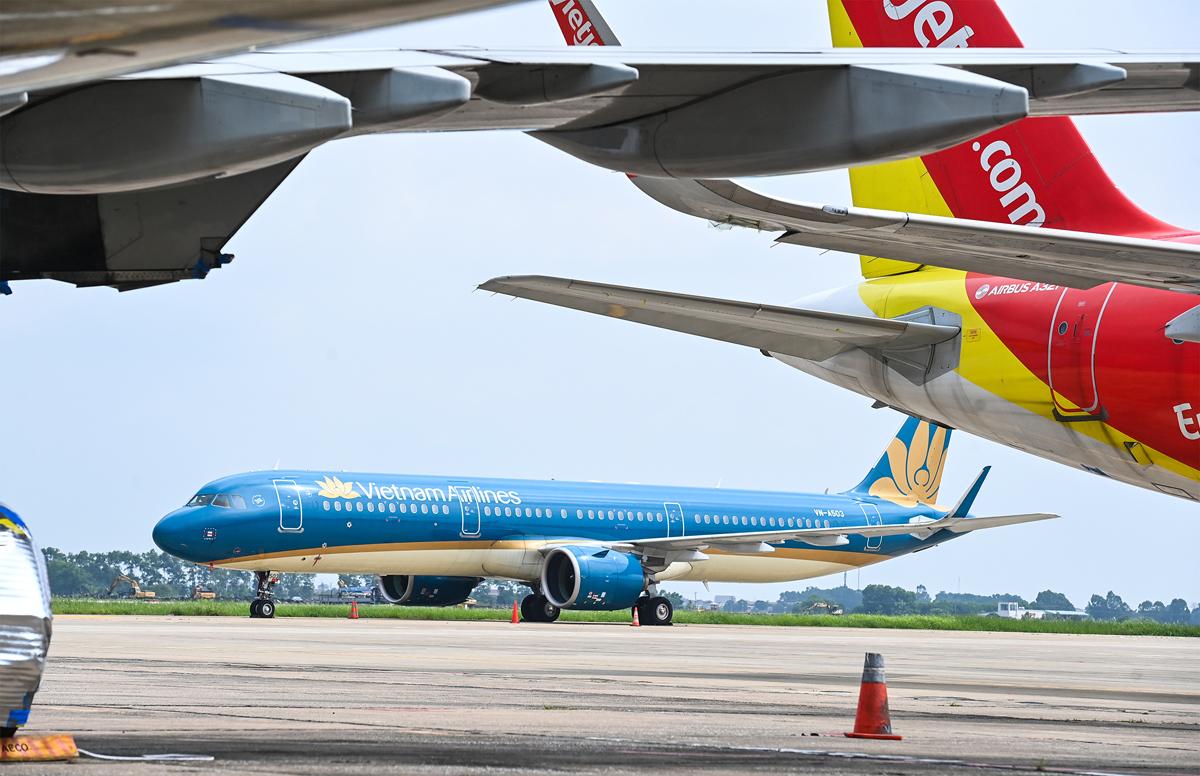 Sau khoảng 2 tháng tạm dừng, từ ngày 10/10 sân bay Nội Bài sẽ có các chuyến bay khứ hồi đi, đến TP HCM và Đà Nẵng. Ảnh: Giang Huy.