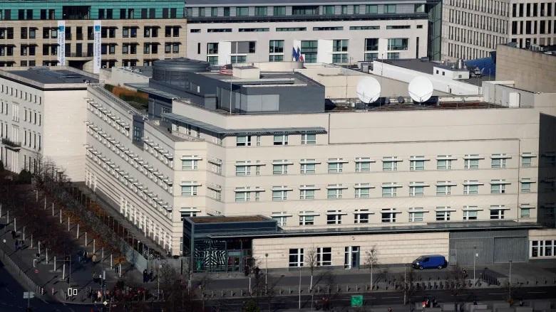 Đại sứ quán Mỹ tại Berlin, Đức. Ảnh: Reuters