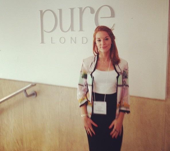 Louise Caplan giả làm doanh nhân thành đạt để dụ người tình đầu tư. Ảnh: Instagram