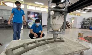 Sinh viên chế tạo máy in 3D bêtông
