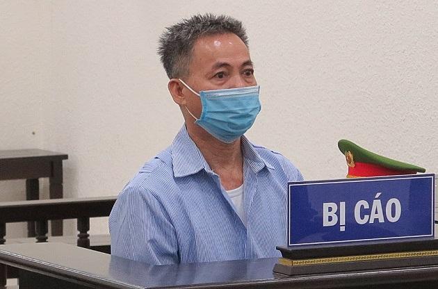 Bị cáo Trần Văn Thuần tại phiên xét xử ngày 11/10. Ảnh: Danh Lam