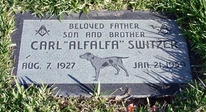 Bia mộ của Alfalfa tại Công viên Tưởng niệm Hollywood. Ảnh: Please Kill Me