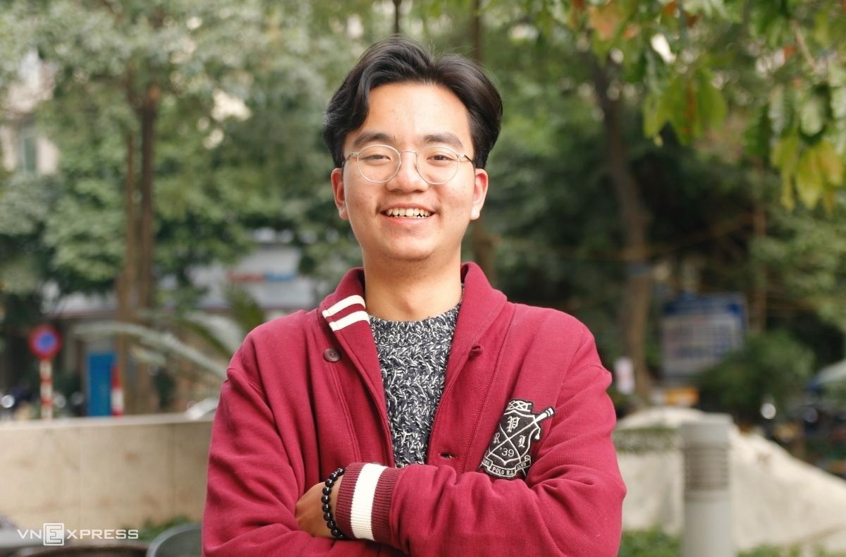 Nguyễn Trần Đức Anh, cựu học sinh lớp 12 Anh 1, trường THPT chuyên Hà Nội-Amsterdam, giành học bổng của Đại học Rice, Mỹ. Ảnh: Thanh Hằng